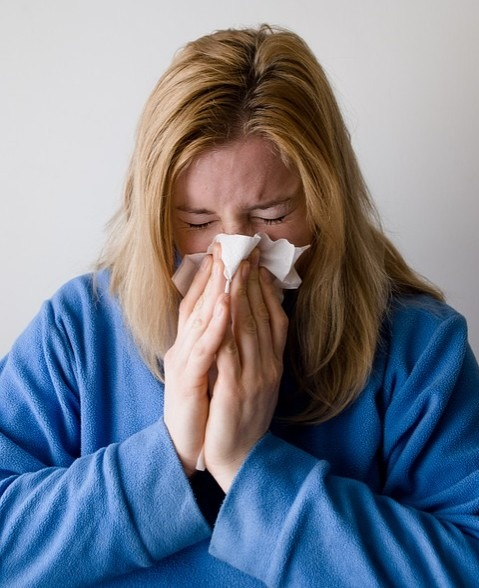 Allergies may cause eye bags to form